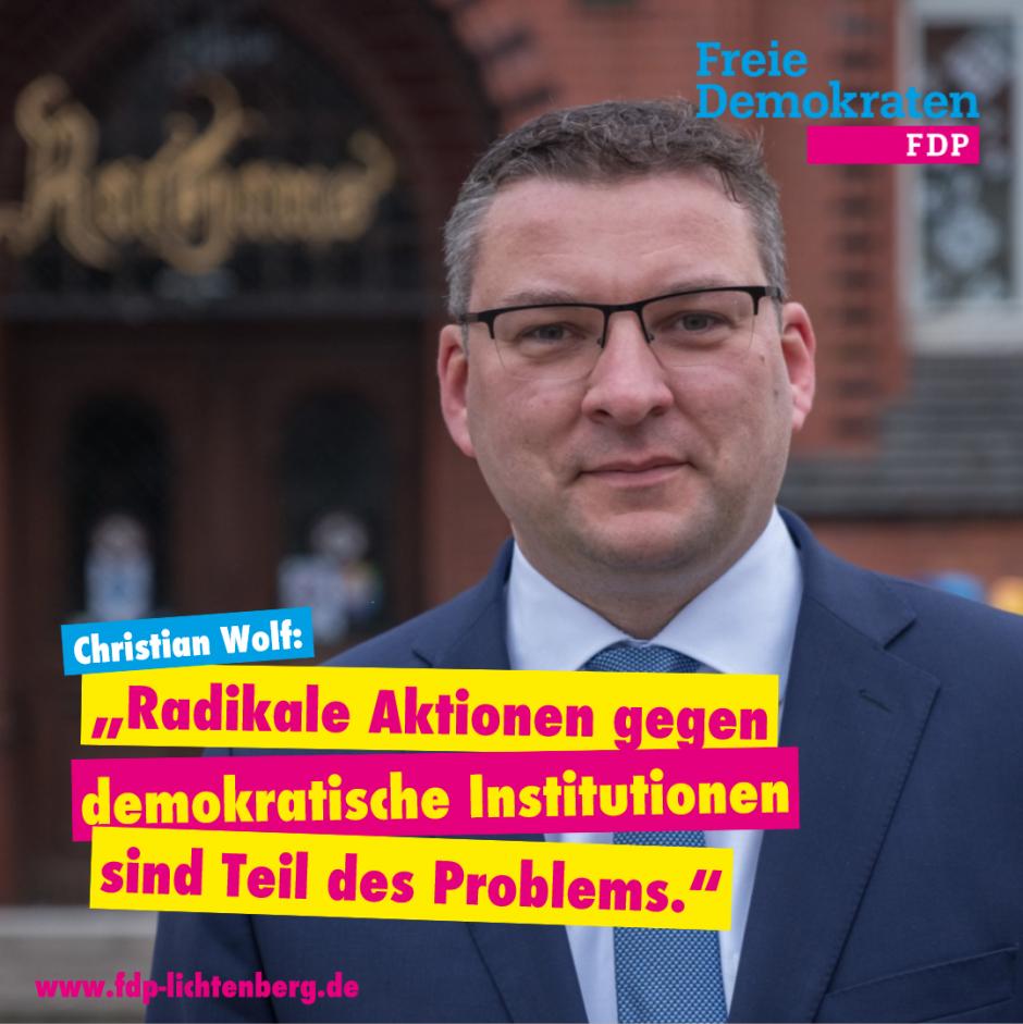 FDP Lichtenberg verurteilt die Beschädigung des historischen Rathauses